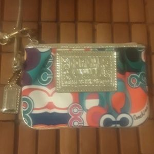 Coach  poppy wristlet wallet